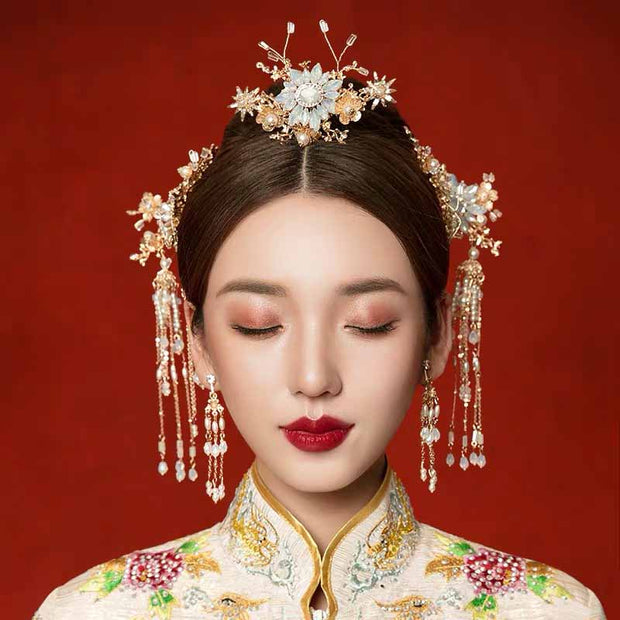 Chinese Gold Wedding Hairpiece For Cheongsam/Ao Dai/Qipao/Kua 旗袍/奧黛/龍鳳卦/秀禾服 Designed With Flower And White Pearls