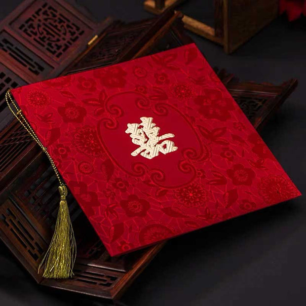 40 PCS Deep Red Floral Print Traditional Chinese Wedding Invitations with Gold Tassel Design