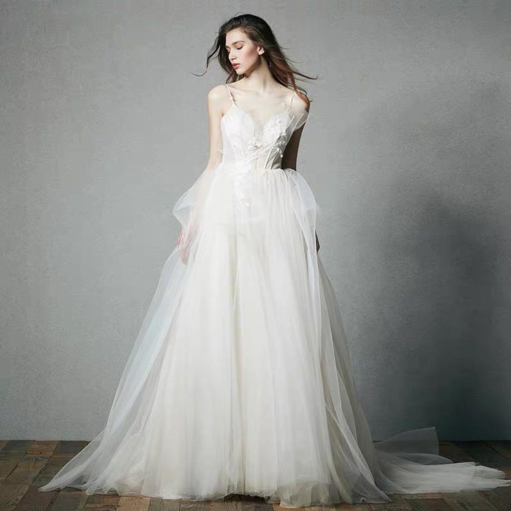 [RENT OR BUY] Custom Made Wedding Dress With Elegant Tulle & Sweetheart Floral Pattern
