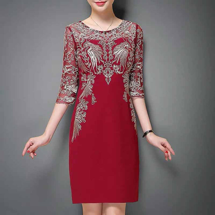 Mother of the Bride/Groom Dress Above the Knee in Red Color with Embroidered White Pattern