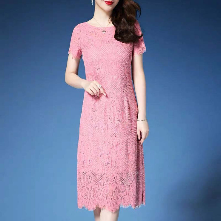 Mother of the Bride/Groom Dress Above the Knee with Elegant Pink Lace Design in Short Sleeves
