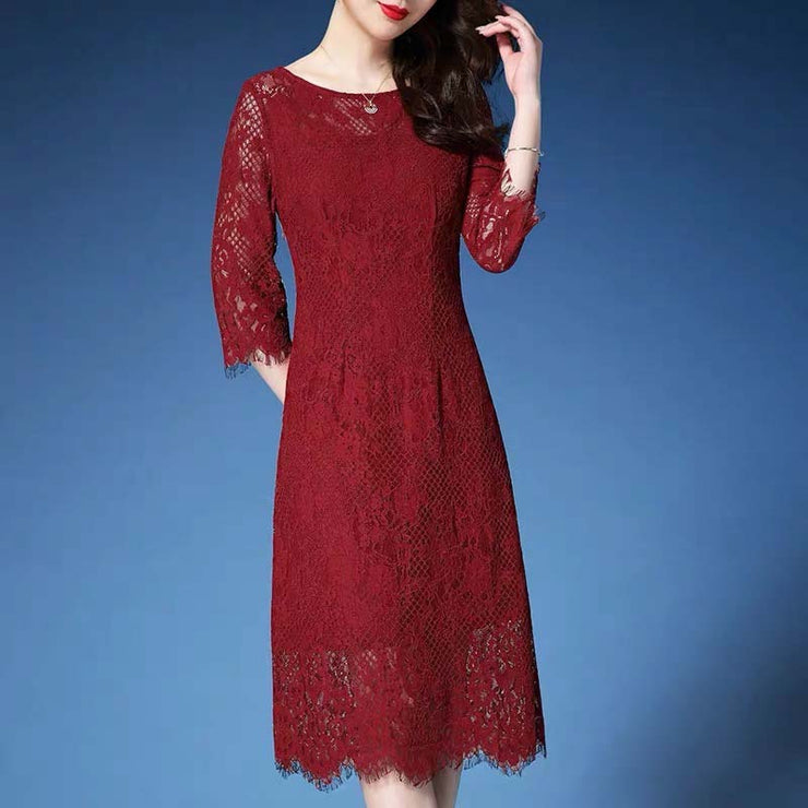 Mother of the Bride/Groom Dress Above the Knee with Elegant Red Lace Design in Long Sleeves