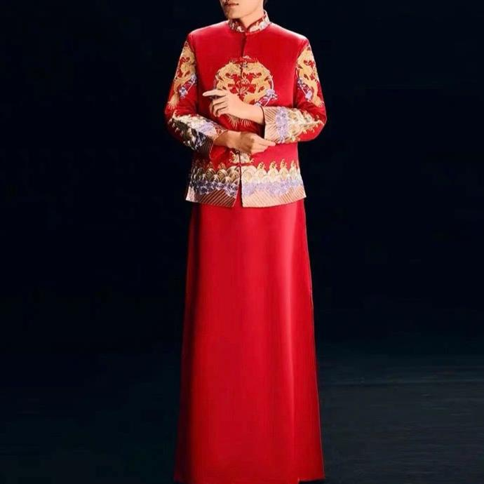 Groom's Wedding Qun Kua/Cheongsam 男士龍鳳卦 for Men in Red with Gold Dragon Embroidery at the Center and Sleeve