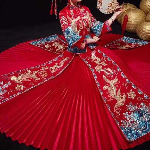 Wedding Kua 龍鳳卦/秀禾服 Qun Kua Cheongsam for Bride in Red with Layered Pleated Skirt