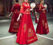 Wedding Kua 龍鳳卦/秀禾服 In Elegant Red With Detailed Gold Embroidery