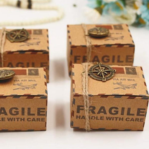 50 PCS Kraft Wedding Box with Stamp & Vintage Theme - Comes with Metal Compass or Globe Pendant
