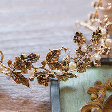 Vintage Retro Gold Bridal Wedding Tiara with a Royal Flair