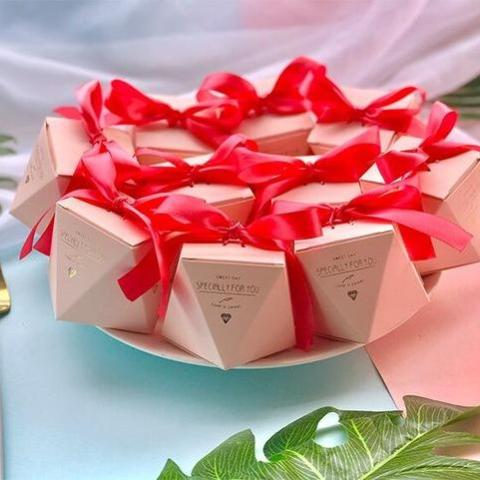 50 PCS Red Wedding Candy Favor Box in Diamond Shape - Red Ribbon