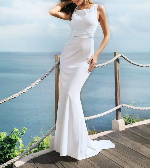 Sexy Mermaid Simple Wedding Dress with Bateau Neckline