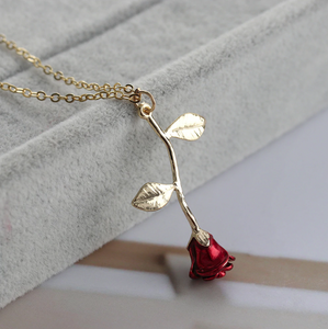 3D Love Rose Necklace - PicksByJP Offers Free Shipping - Yes Free Shipping.