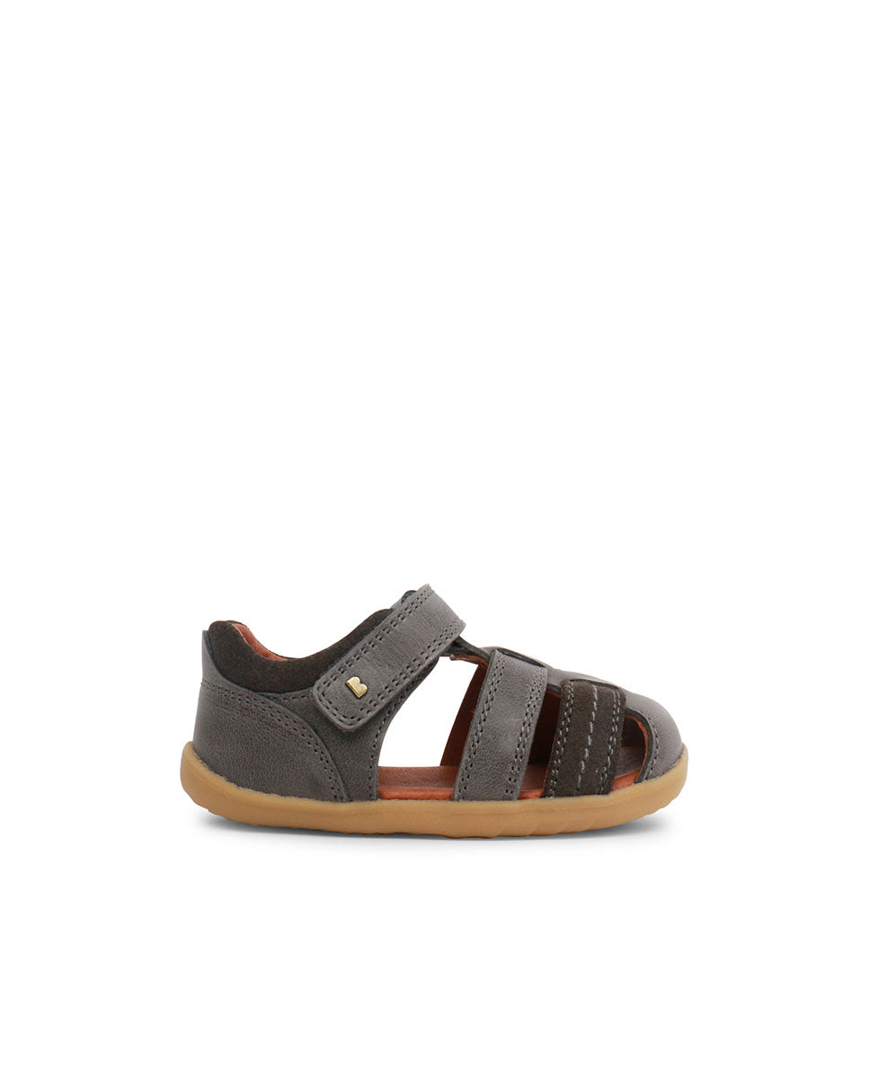 Step UP Roam Closed Sandal Charcoal