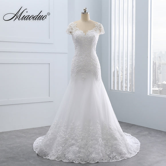 2018 Short Lace Backless Wedding Dresses Mermaid Appliques Pearls Wedding Gown Custom Size Wedding Dress