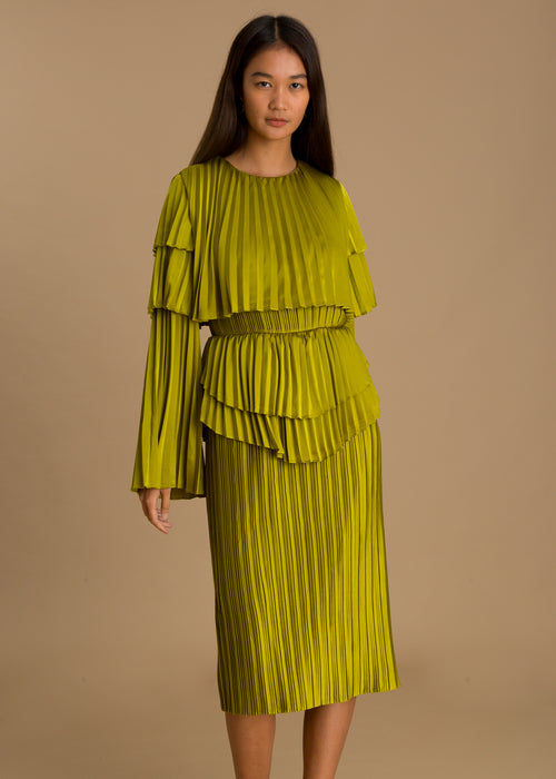 Green long sleeve pleated dress