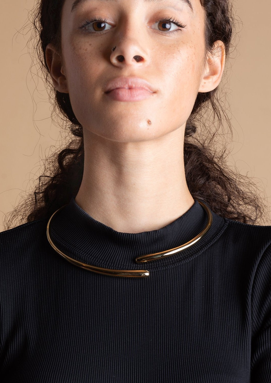 SOKO 24k gold-plated Dash Hinge Wrap Choker