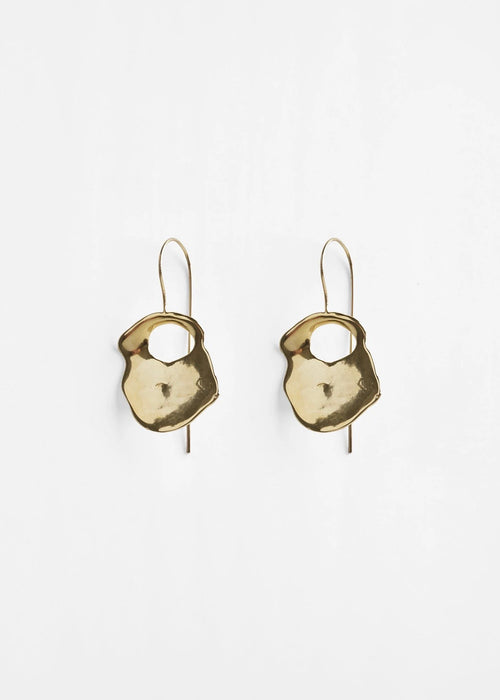 Pichulik brass gold plated shell earrings