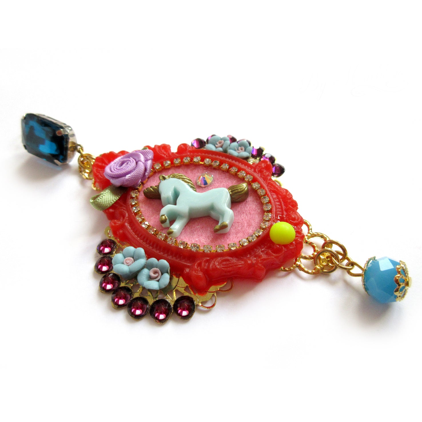 mouchkine jewelry couture and trendy pink unicorn pendant earrings. Made in france.