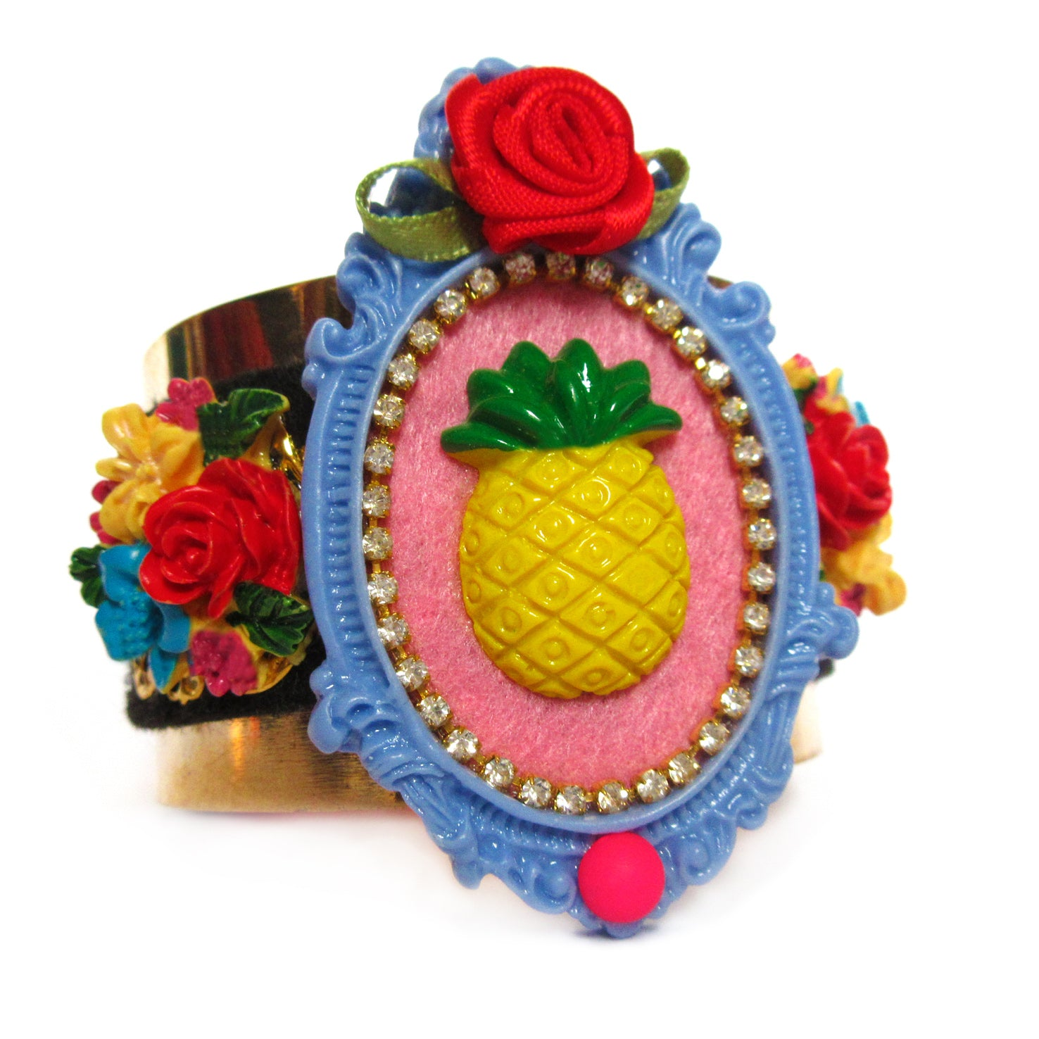 mouchkine jewelry pineapple bracelet, a haute couture jewel for a chic & elegant style, a colorful and creative look. Manchette ananas par Mouchkine, un bijou coloré, chic et original pour un look mode et couture.