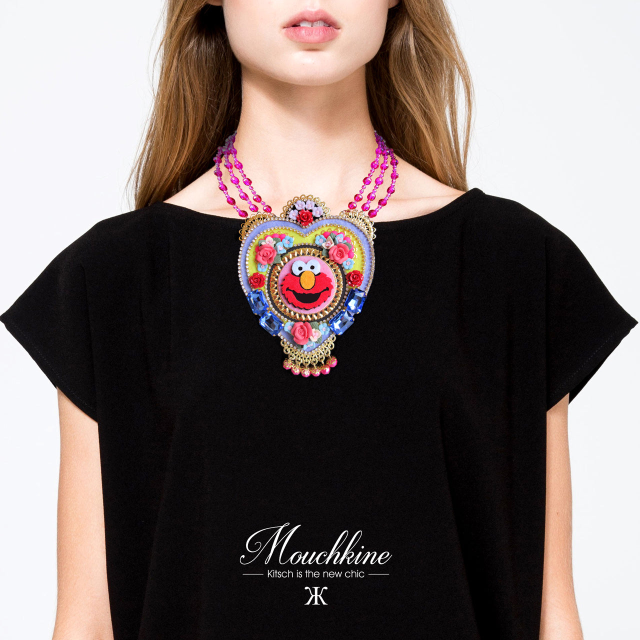Mouchkine Jewelry Elmo Necklace, entirely handmade and made in France, a haute couture jewel with swarovsky crystals, pink glass pearls and ceramic flowers. Un collier Mouchkine mode et haute couture original, pour un look branché, sublime et chic.