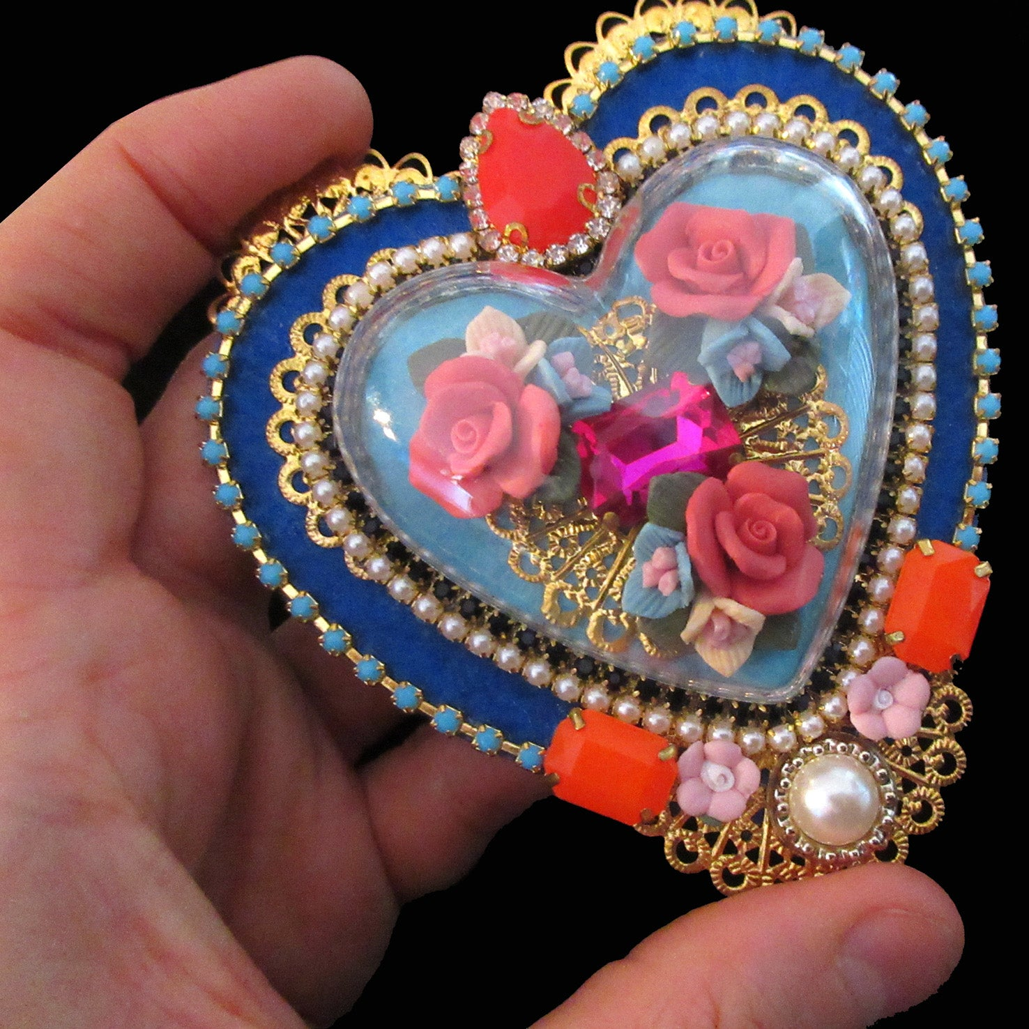mouchkine jewelry unique pieces luxury heart brooch. handmade in france.