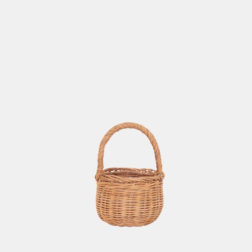 NATURAL RATTAN BERRY BASKET