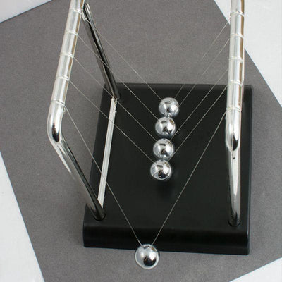 Small Newton's Cradle -