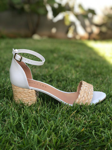 Ankle strap sandal soft white/rafia natural