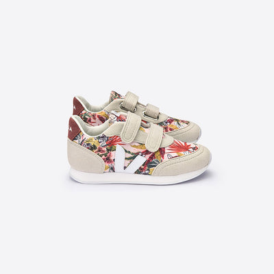 Arcade Yucca White Dried Petal - Veja,  a designer children shoes and accessories brand based in Paris, France. Carried by Kids Edition, the best online designer children clothing boutique based in Vancouver, Canada.