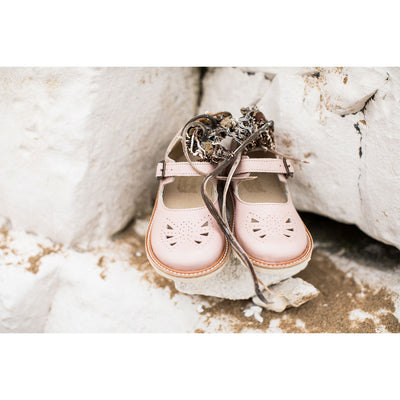 Bow Nude Pink Leather - Young Soles,  a designer children shoes and accessories brand based in London, UK. Carried by Kids Edition, the best online designer children clothing boutique based in Vancouver, Canada.
