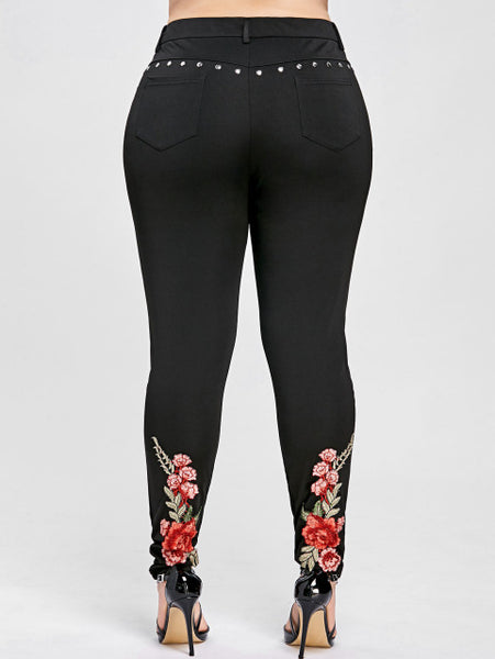 Plus Size Floral Embroidery Rivet Pencil Leggings