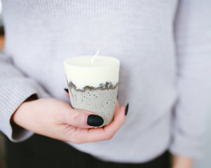 The Small Mixed Material Candle