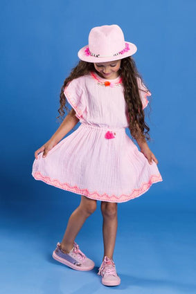 Pink girls' dress with short sleeves decorated with seashells