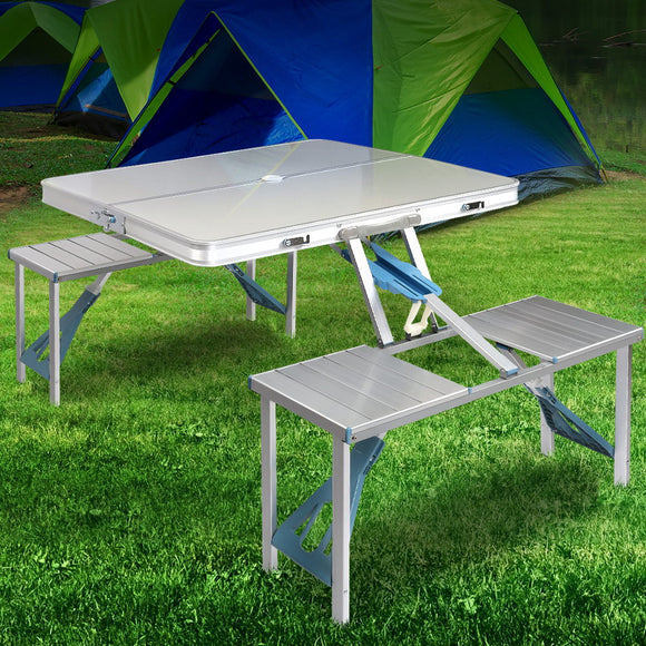 FOLDABLE CAMPING TABLE & CHAIRS