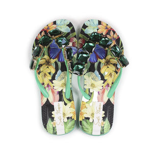 Green Classic Air Print - Flipflops. 90% rubber 10% PVC. Rubber and PVC sole Brazillian made With Air-print technolgy Bold eyecatching prints Beautiful variety of emebllishments. Woman online store. Best women fashion designer brands. Long and short dresses, shirts, skirts, pants, belts, handgabs and accesories online.