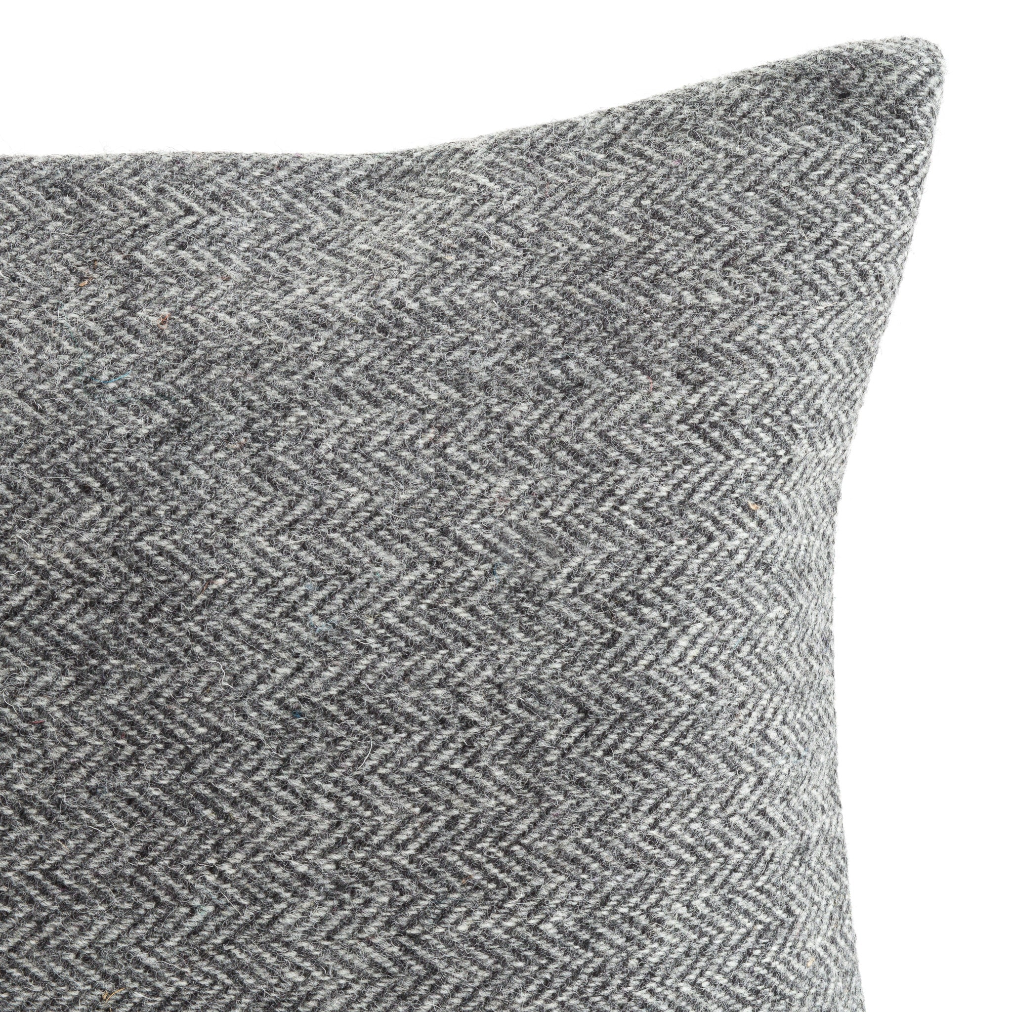 Harris Tweed/Pure Wool/Outer Hebrides/Scatter/Cushion/Grey/Herringbone/Detail/