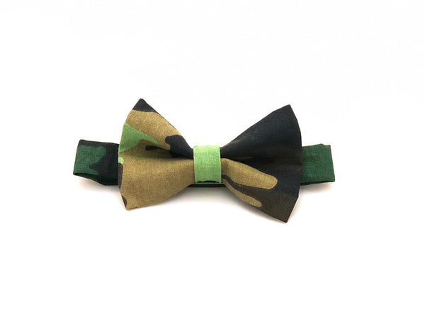 Military-Honors-Bow-Tie-Laying