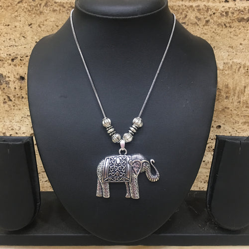Digital Dress Room Hand crafted Silver Elephant & Calf Pendent Necklace