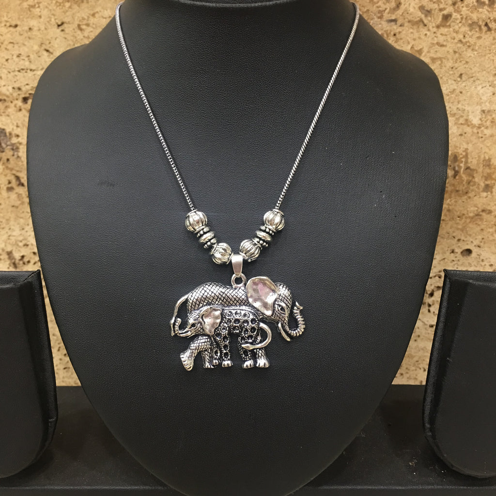 Hand crafted Silver Elephant Pendent Necklace - DigitalDressRoom