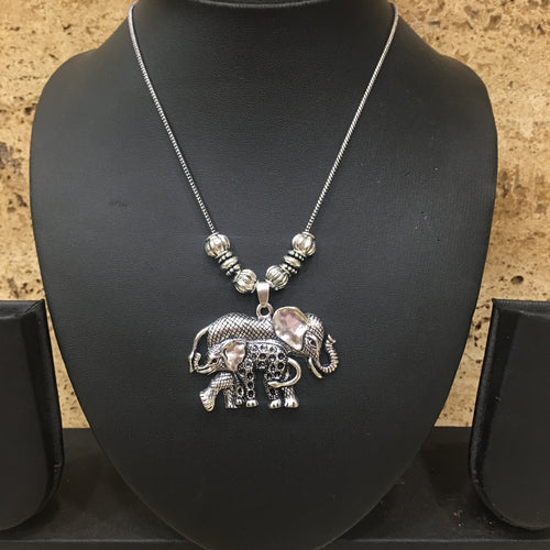 Digital Dress Room Hand crafted Silver Elephant Pendent Necklace