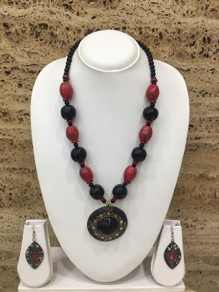 Afghani Tibetan Gold Plate Brass Multi-Color Pendant Red Stone Black Beads Necklace with Earring