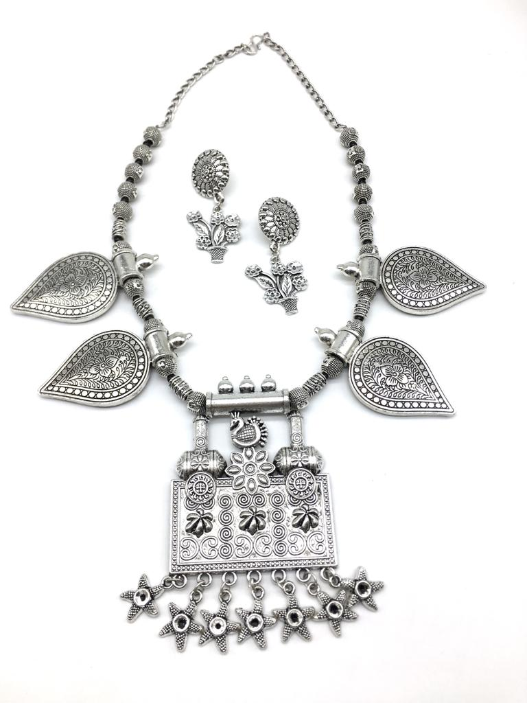 Silver Peacock Flower Design Pendant Star Leaf Beads Chain