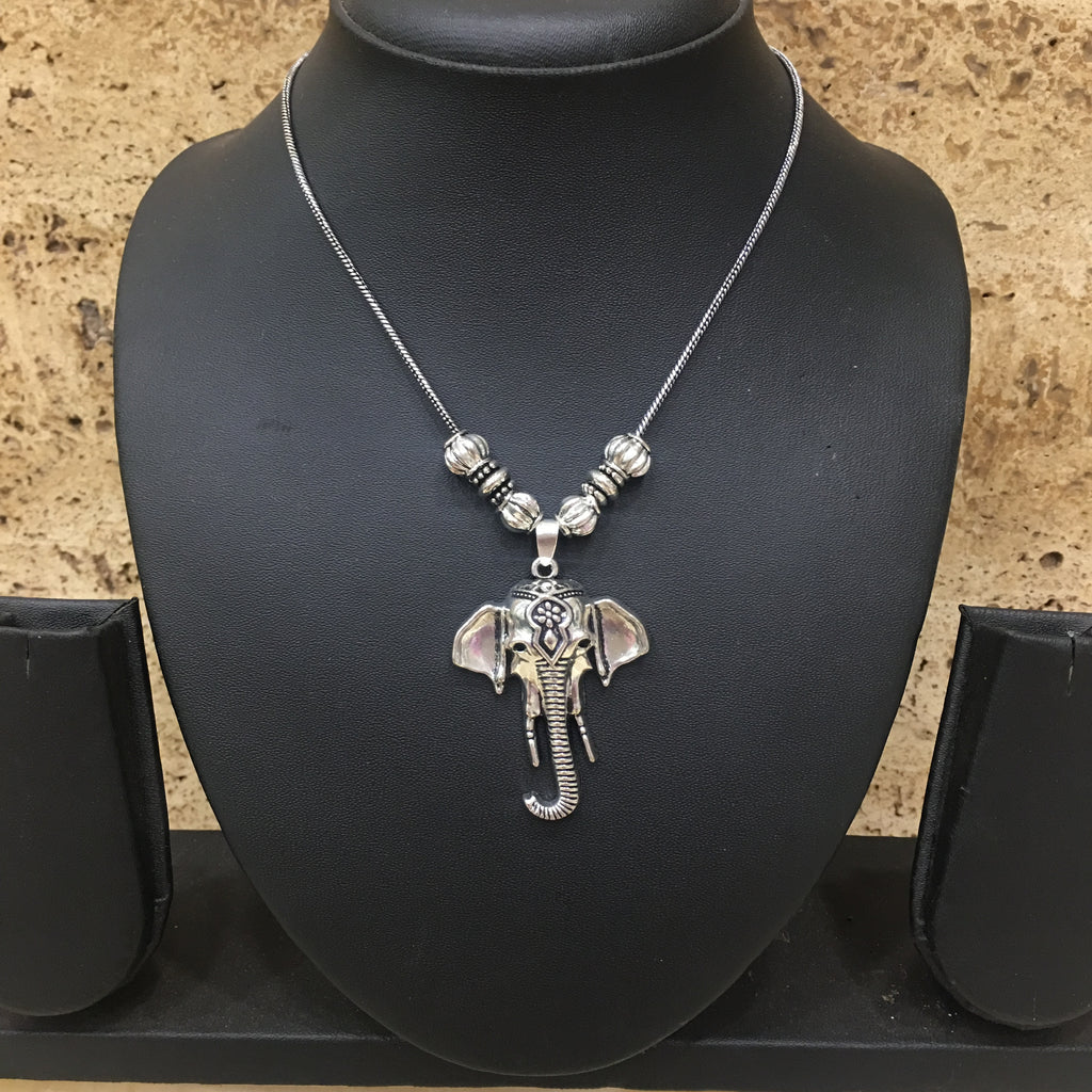 Hand Crafted Silver Elephant Face Pendent Necklace - DigitalDressRoom