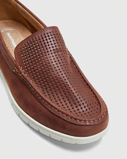 HUSH PUPPIES Tully Leather Loafer