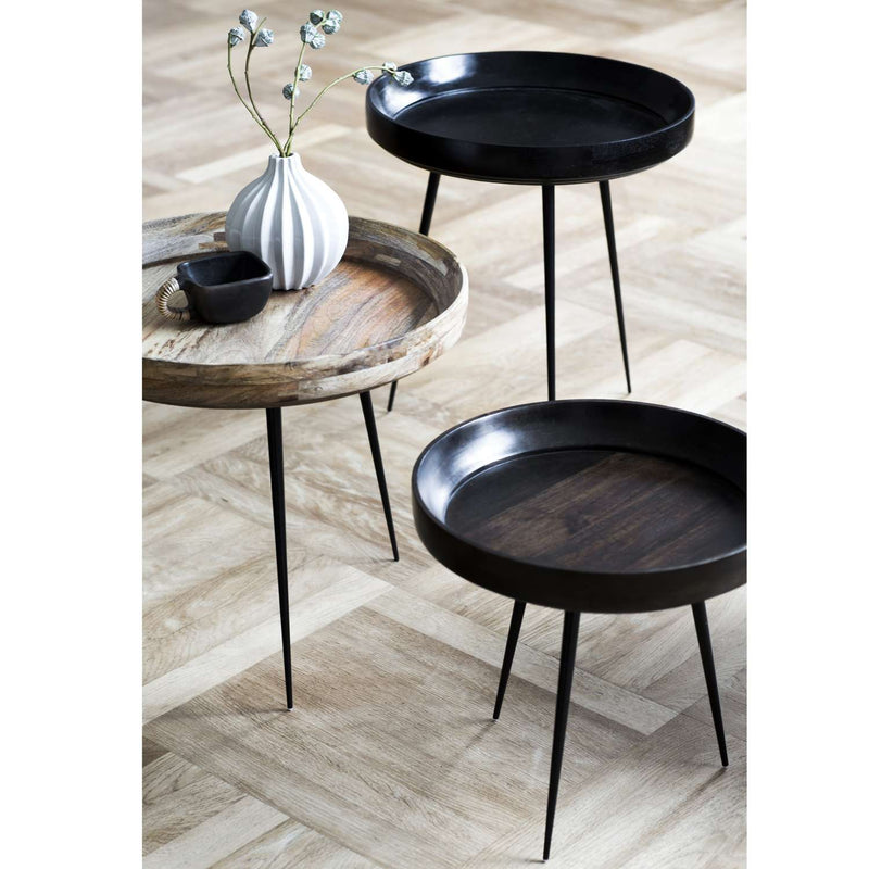 Mater Bowl Table aus Mangoholz in Schwarz Mood