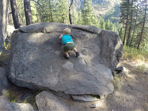 Mountain Method - Blog - Bouldering and climbing with kids