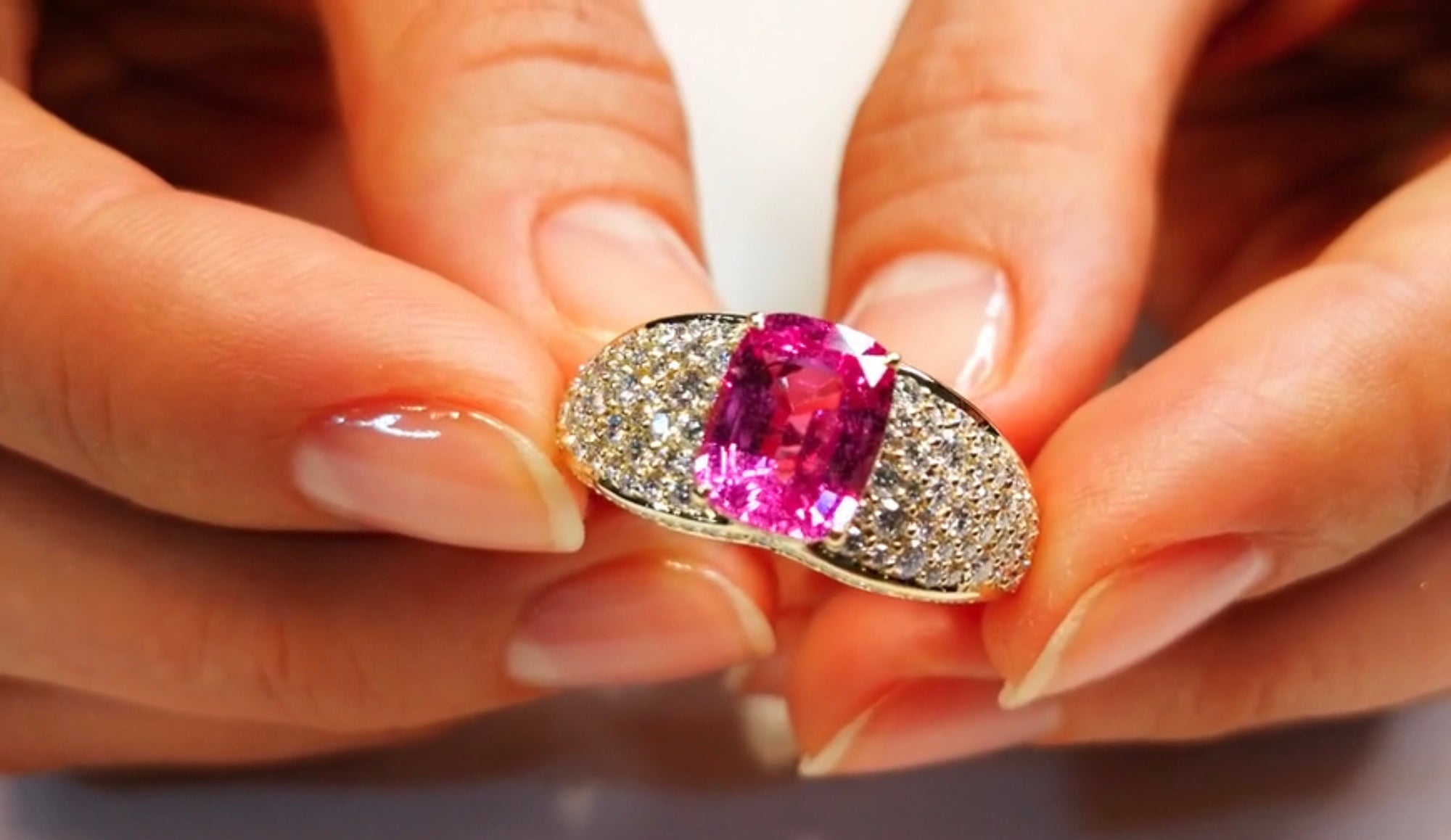 Ceylon Pink Sapphire Ring with D Flawless Diamonds set in 18K Yellow Gold