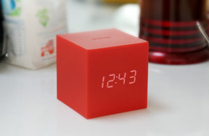 Gravity Click Cube Clock Red