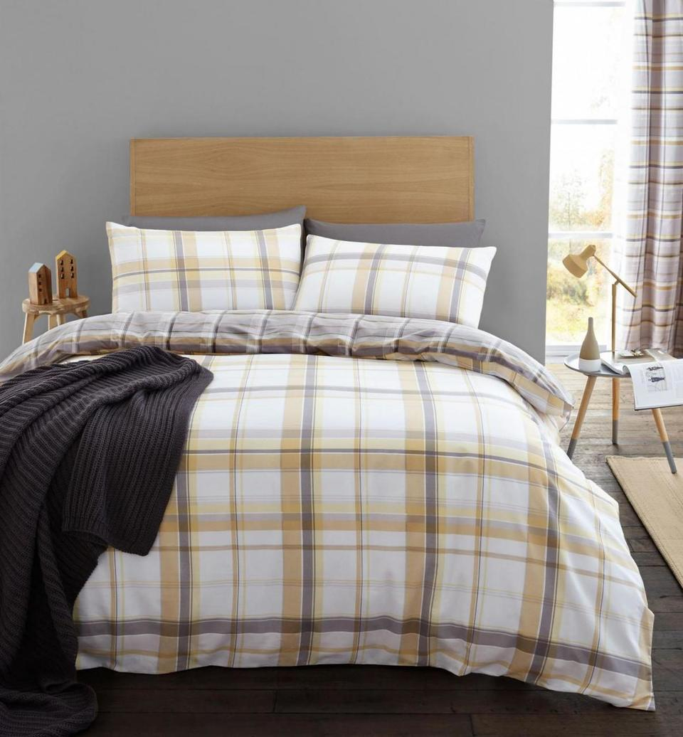 St Ives Check Ochre Quilt Set