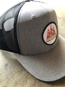 Pepperoni Mountains Grey w/Blk Mesh