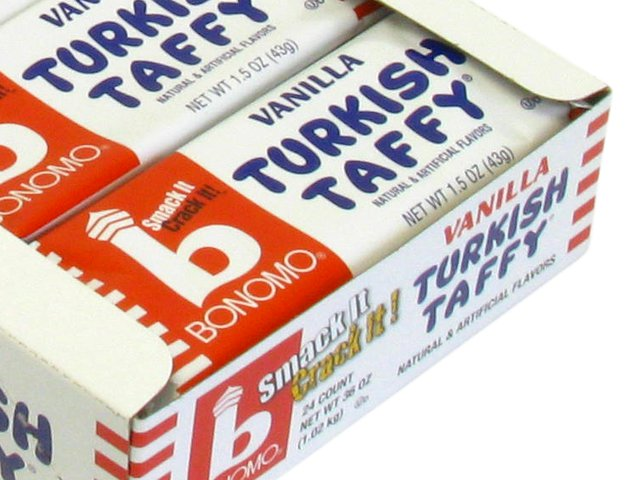 Bonomo's Turkish Taffy - 1.5 oz vanilla bar - box of 24