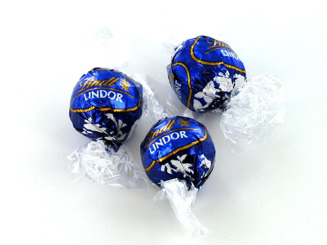 Lindt Lindor Dark Chocolate Truffles - 1 piece